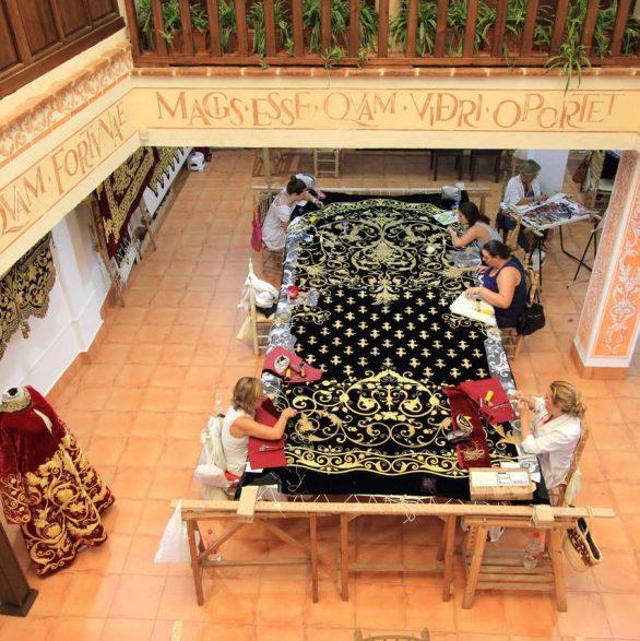Caminos de Pasión pone en valor la artesanía vinculada a la Semana  Santa de la mano de sus protagonistas