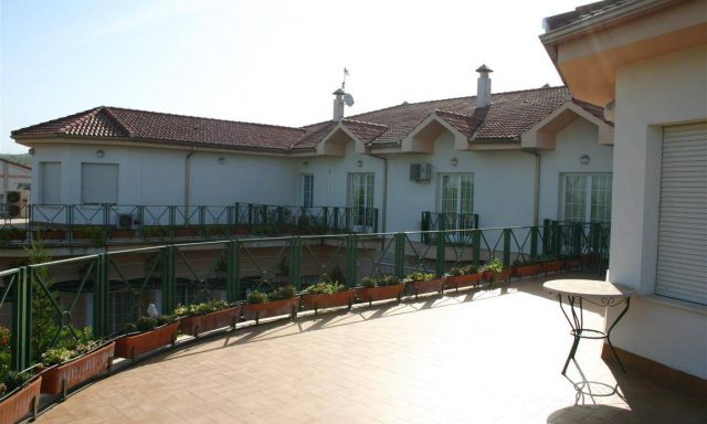Hotel Mitra **