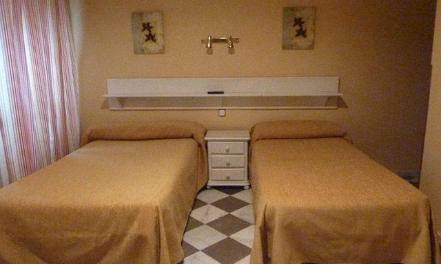 Hotel San Pedro**